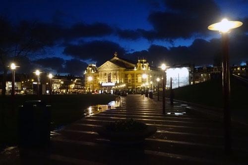 Amsterdam Concertgebouw bij avond